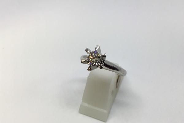 リフォーム前立爪ダイヤリング