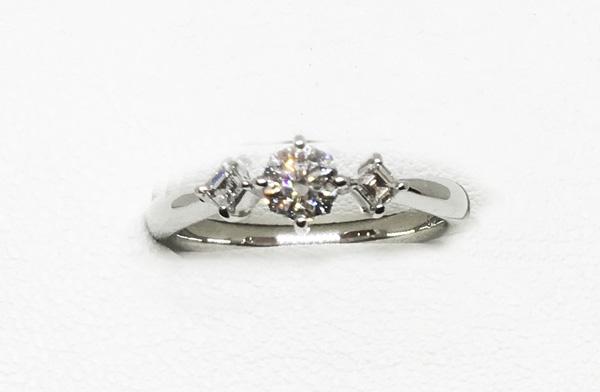 八角形ダイヤモンドリング