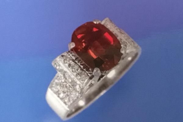 リフォーム前のルビーの指輪