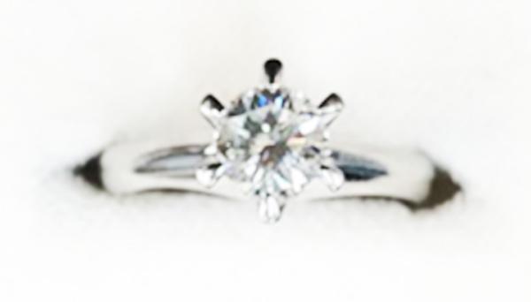 リフォーム前 高さのある婚約指輪
