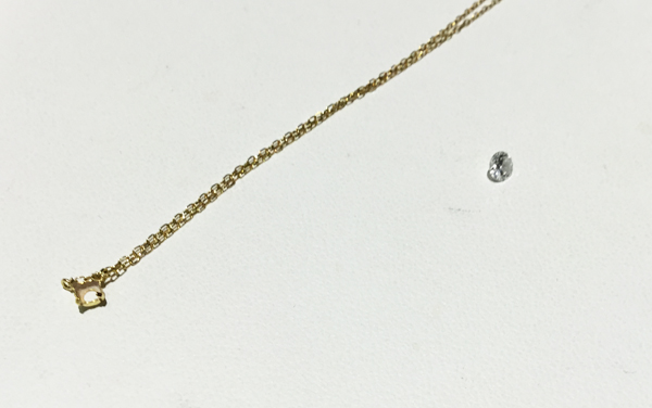 ダイヤが取れてしまったネックレス