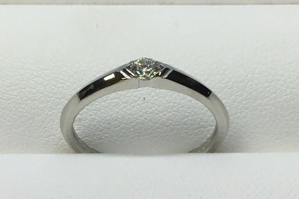 修理後のダイヤモンドリング
