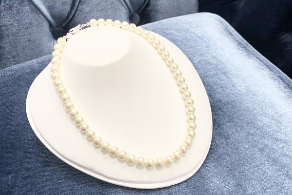 修理後の真珠ネックレス