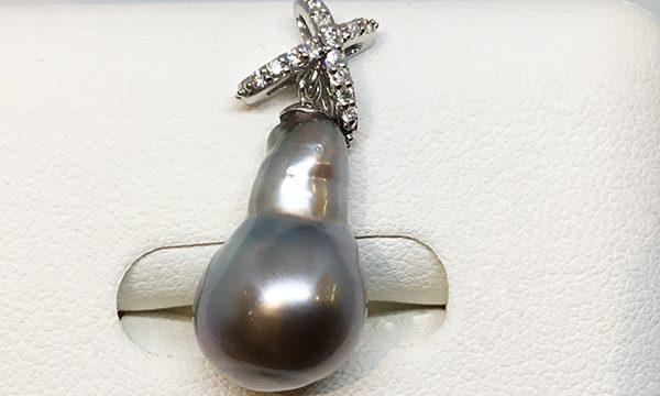 南洋黒真珠バロックペンダント