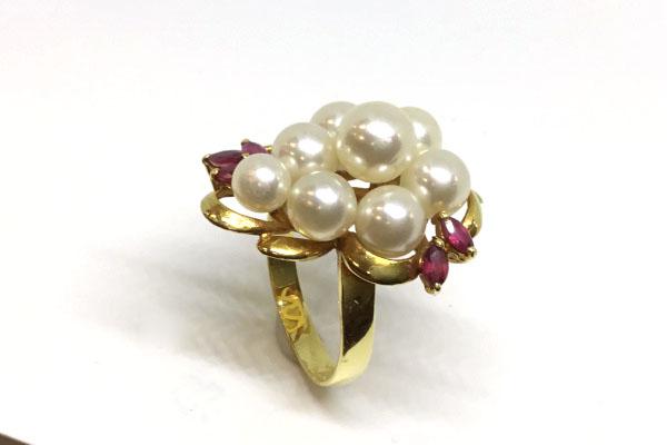 真珠とルビーの指輪