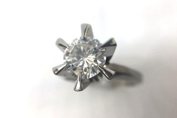 1カラット婚約指輪ダイヤモンド