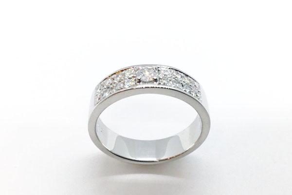 毎日使えるダイヤモンドリングのデザイン