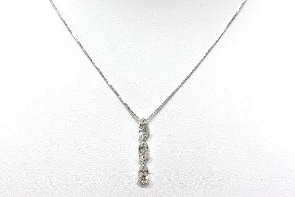 3石ダイヤのネックレス