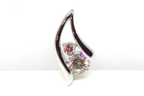 ピンクダイヤとダイヤのペンダント