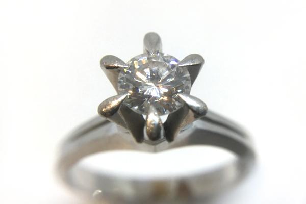リフォ前ーム前 ダイヤモンド指輪