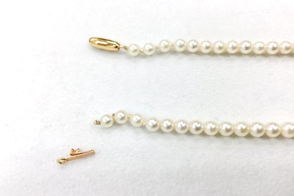 真珠ネックレス 糸が切れて留め具が外れた