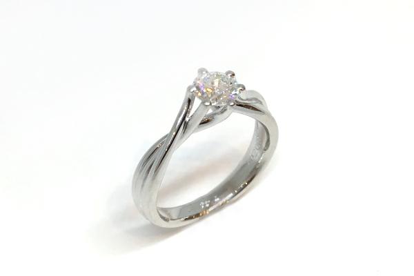 婚約指輪のサイズ変更