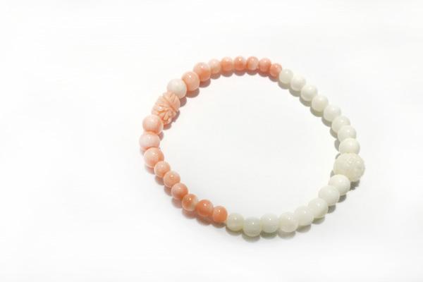 桃色サンゴと白珊瑚のブレスレット