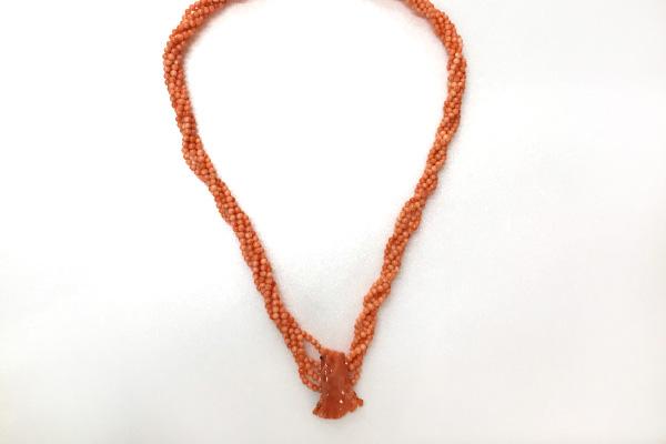 サンゴ5連ネックレス